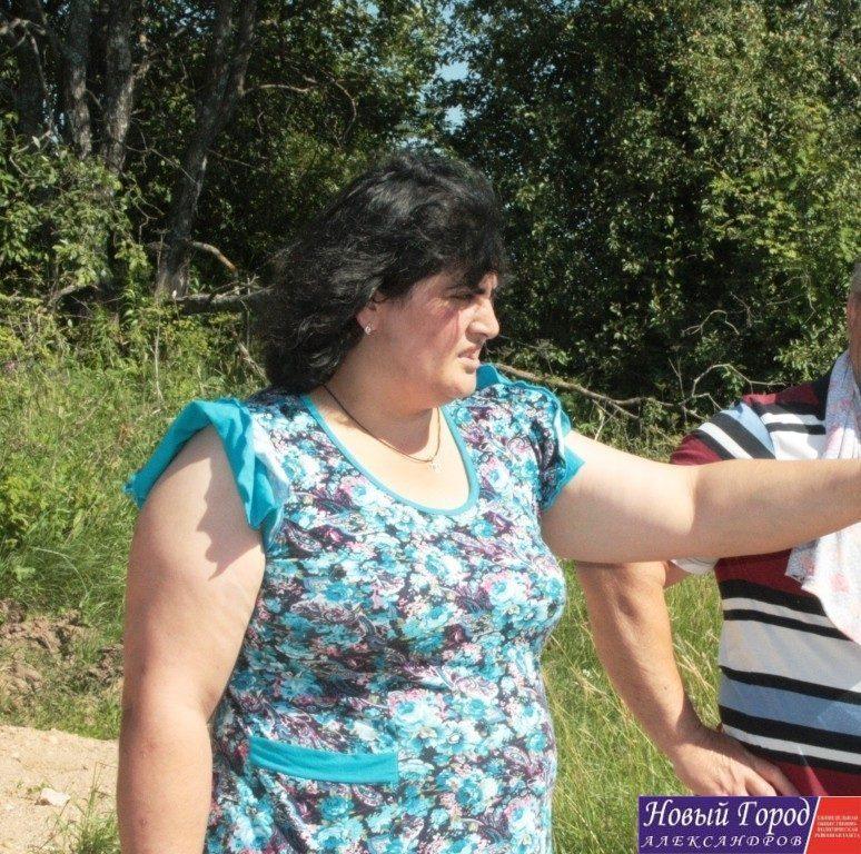 Обычный почтальон Анжела Бегиян не готова мириться с выходками главы сельского поселения.