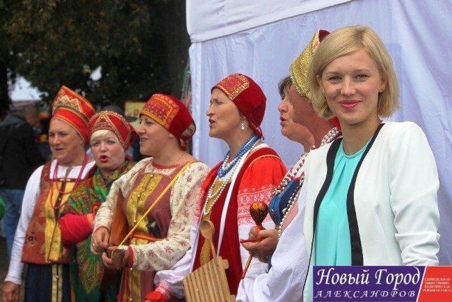 Заместитель главы районной администрации по экономике и инвестициях А. Кузнецова