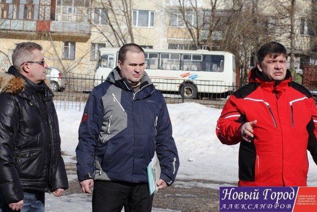 Три городских перевозчика организовали митинг