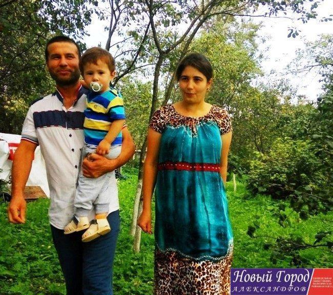 Полтора года семья проживает в деревне Легково