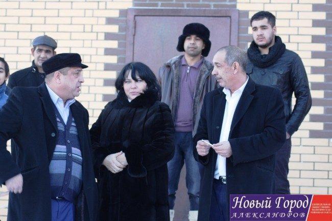 Глава Каринского сельского поселения Татьяна Амбарова с цыганским табором