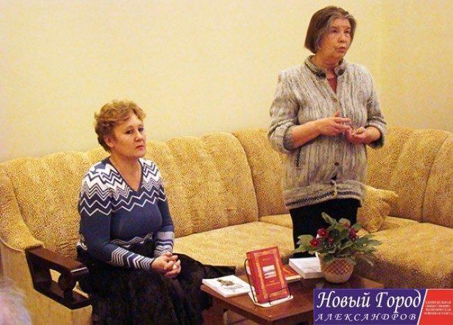 Виктория Боравская (справа)