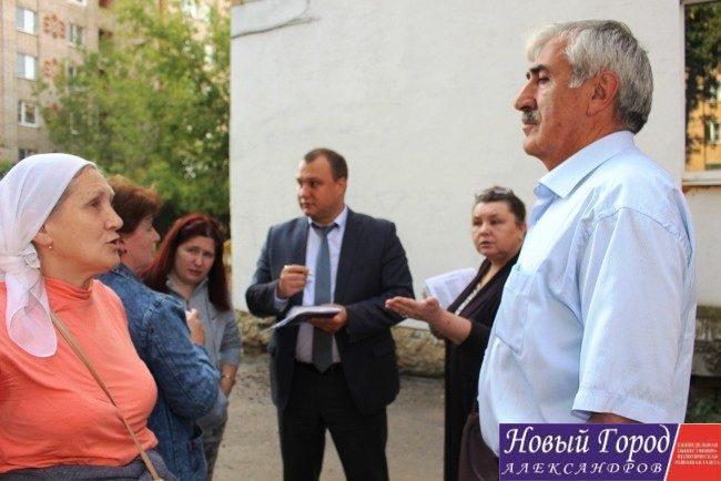 В Александрове появился многоквартирный бесхозный дом